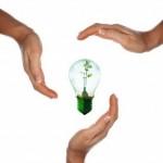 hands lightbulb - Copy